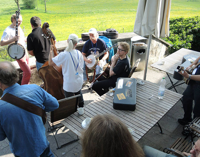 Bluegrass Camp Germany 2014 - Rüdiger Helbigs Outdoor Banjo Class