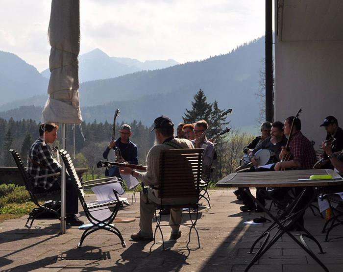 Bluegrass Camp Germany 2014 - Tom Bodenmann's Outdoor Banjo Class